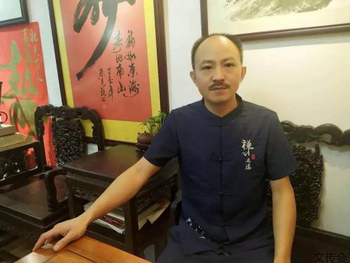 专家团黄荣波